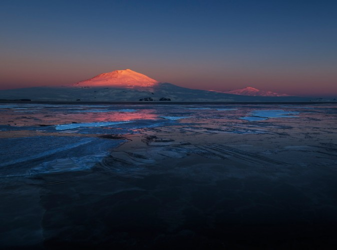 Mt-Erebus-sunset